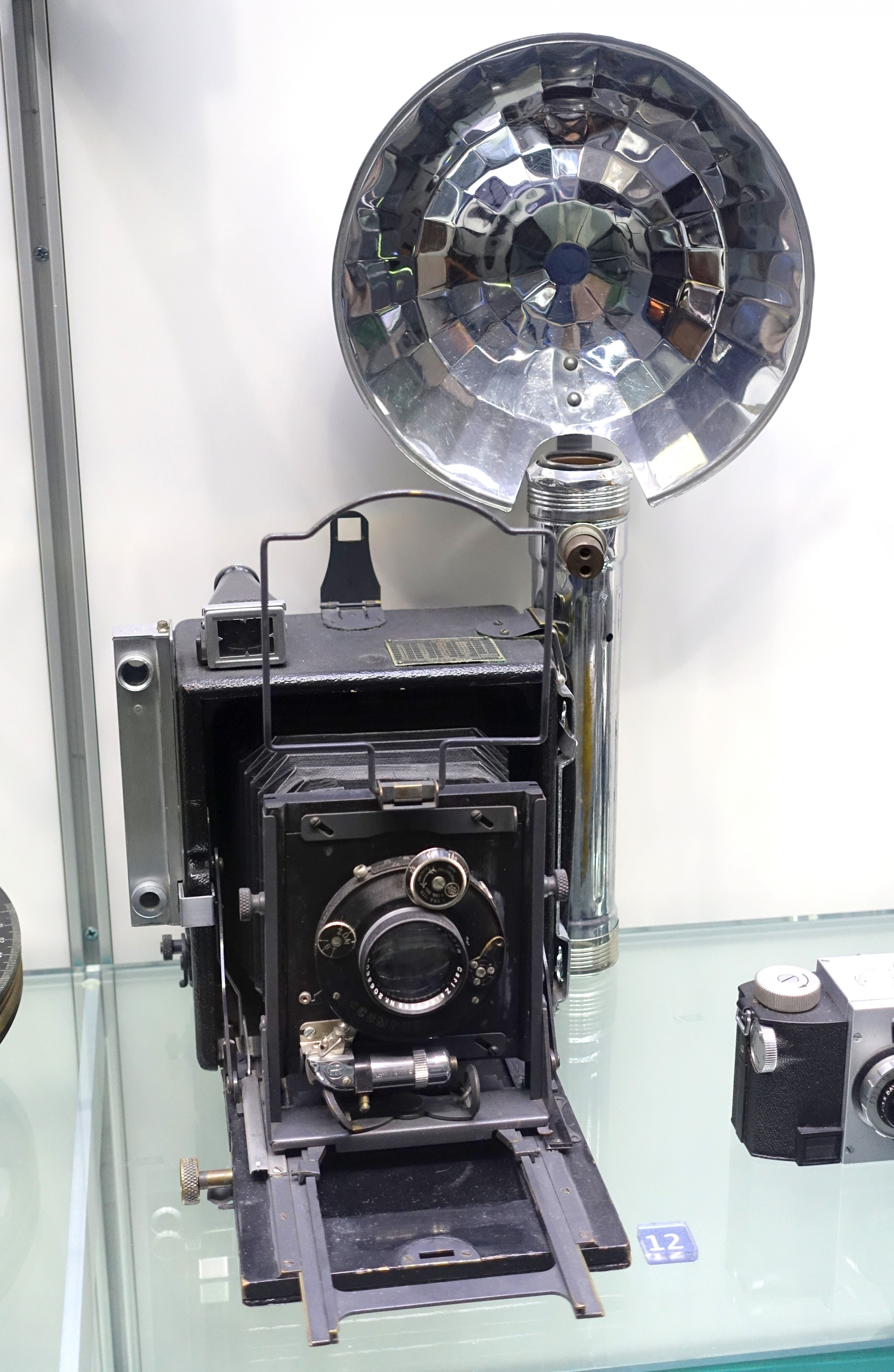 Compur Press Camera, c. 1940 - Museum of Science and Industry (Chicago) - DSC06420