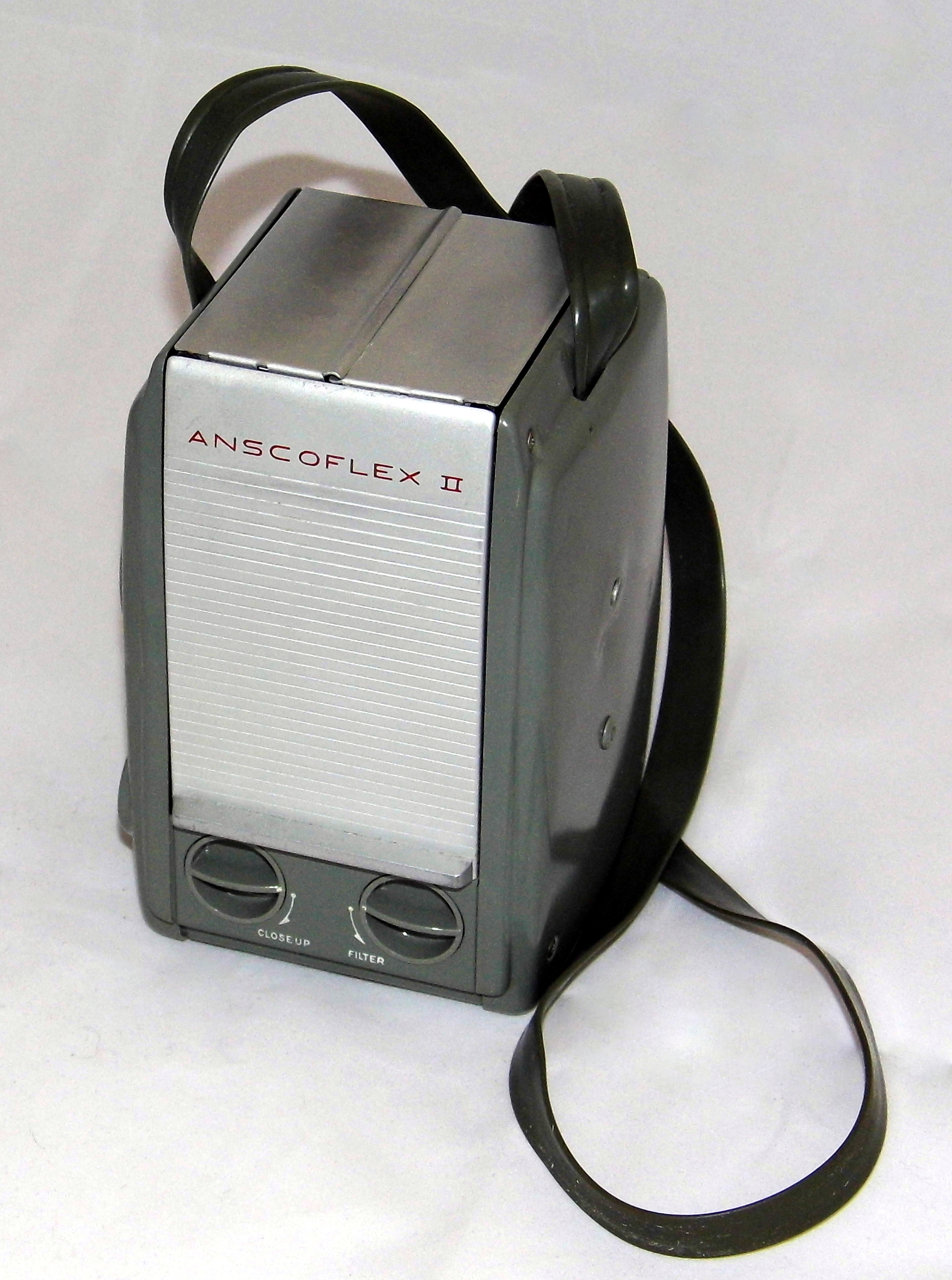 Vintage Ansco Anscoflex II Film Camera, Designed By Raymond Loewy, Made In USA, Uses 620 Film, Manufactured From 1953 - 1956 (17031266579)