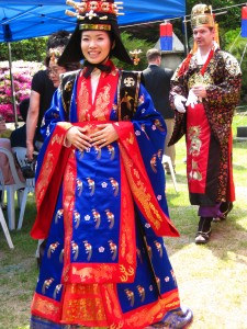 Korean royal costume for queen-Jeogui and daesu-03