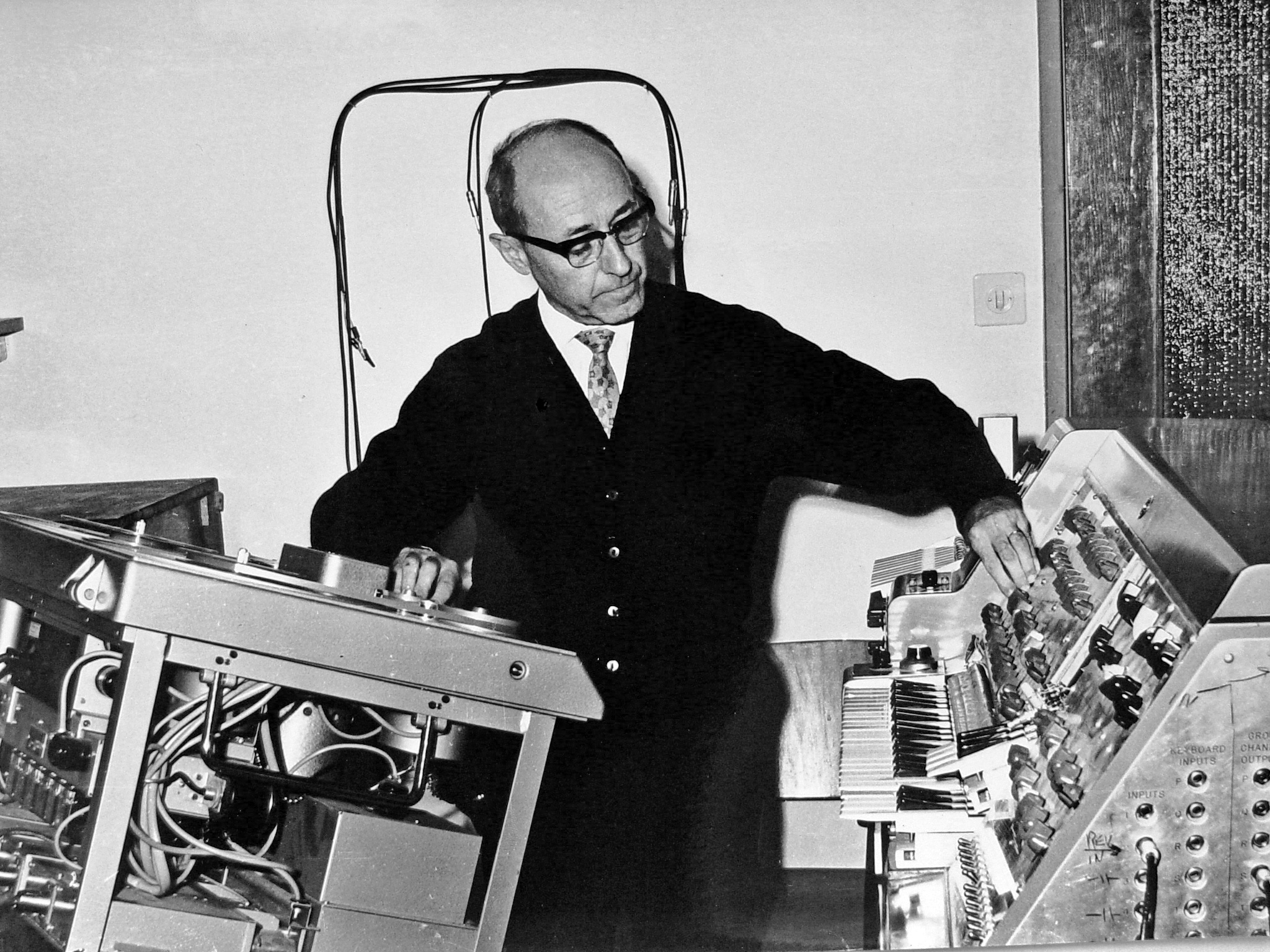 Josef Tal at the Electronic Music Studio