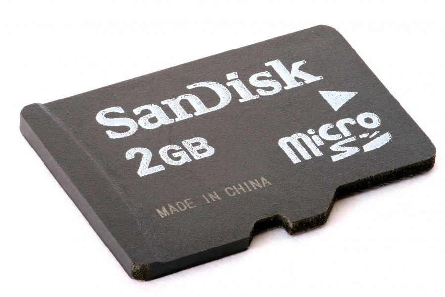 MicroSD card 2GB focus-stacked