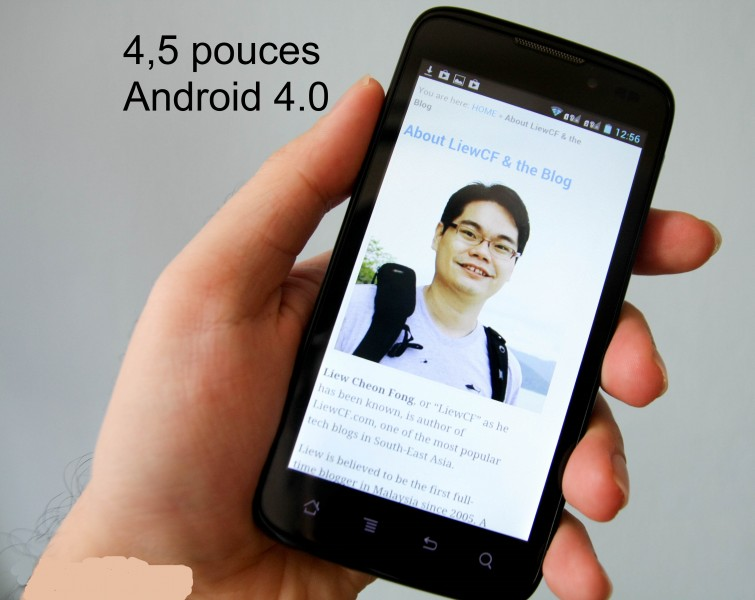 Smartphone 4,5 pouces Android 4.0