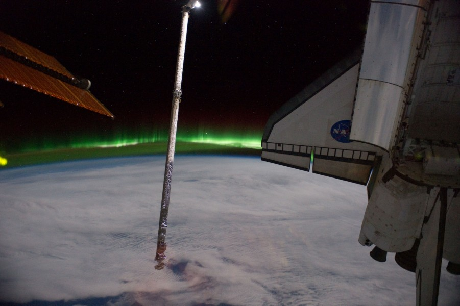 STS-135 ISS-28 Southern Lights