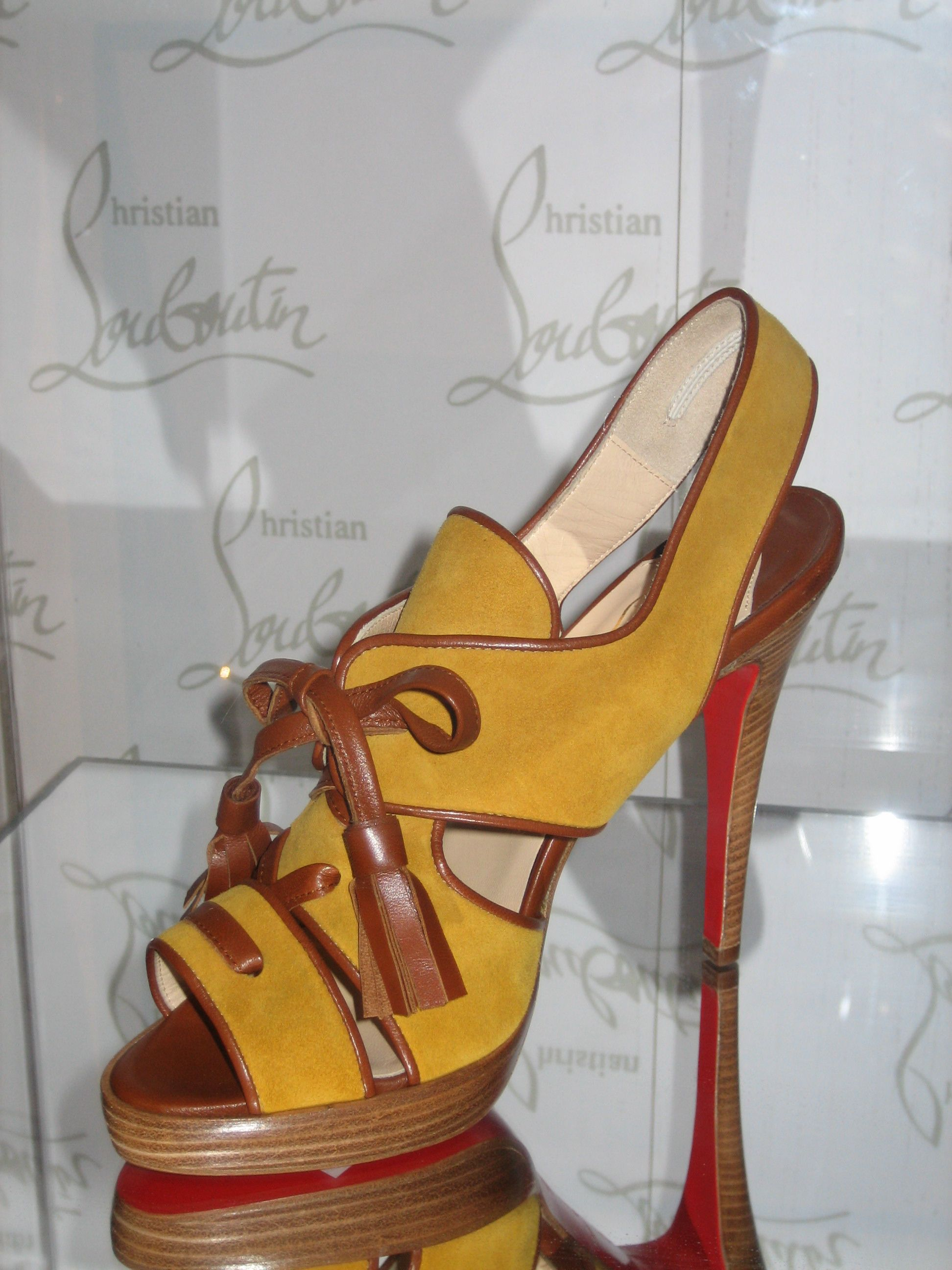 LagguageShoe by ChristianLouboutin