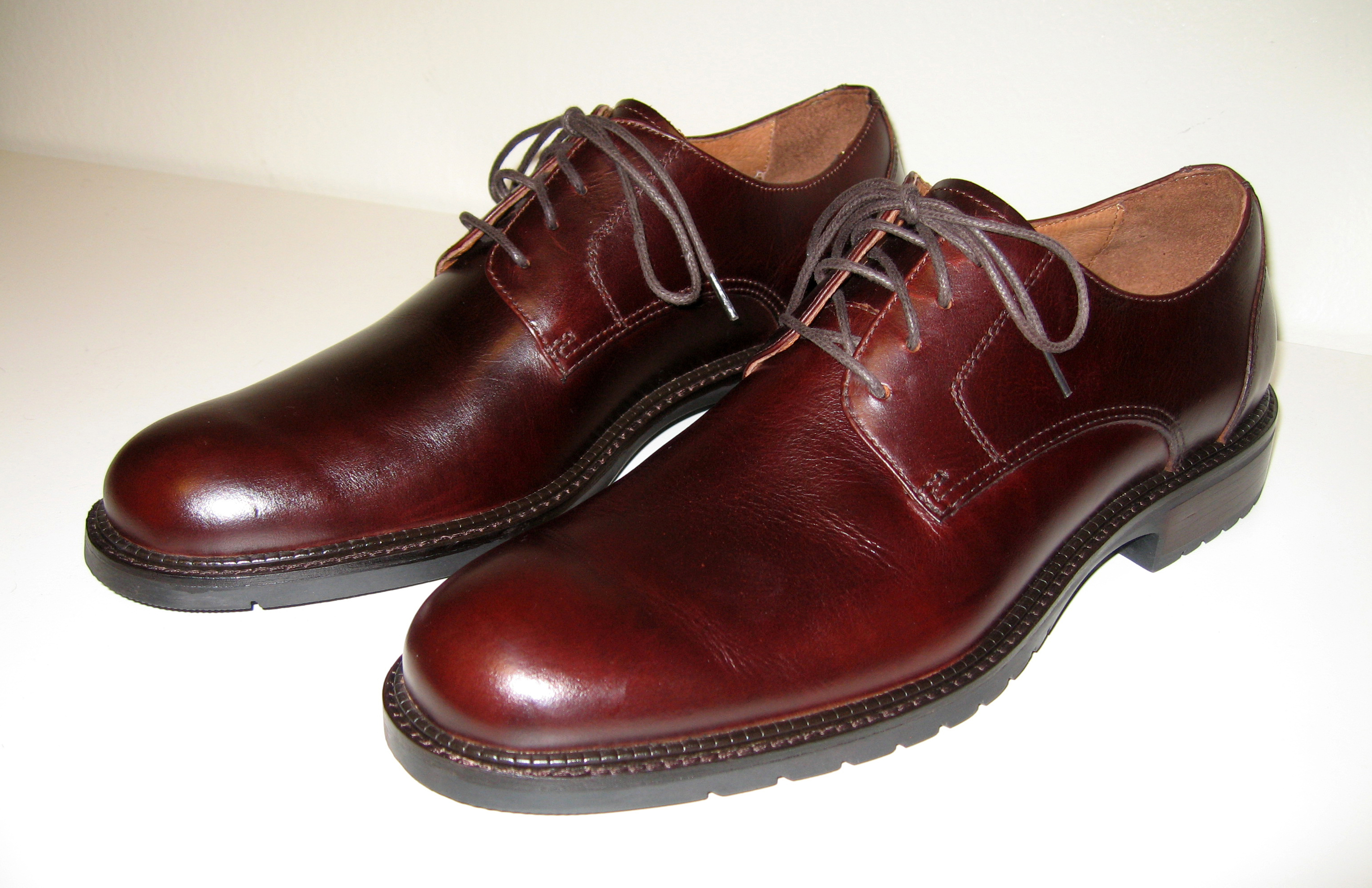 Mens brown derby leather shoes