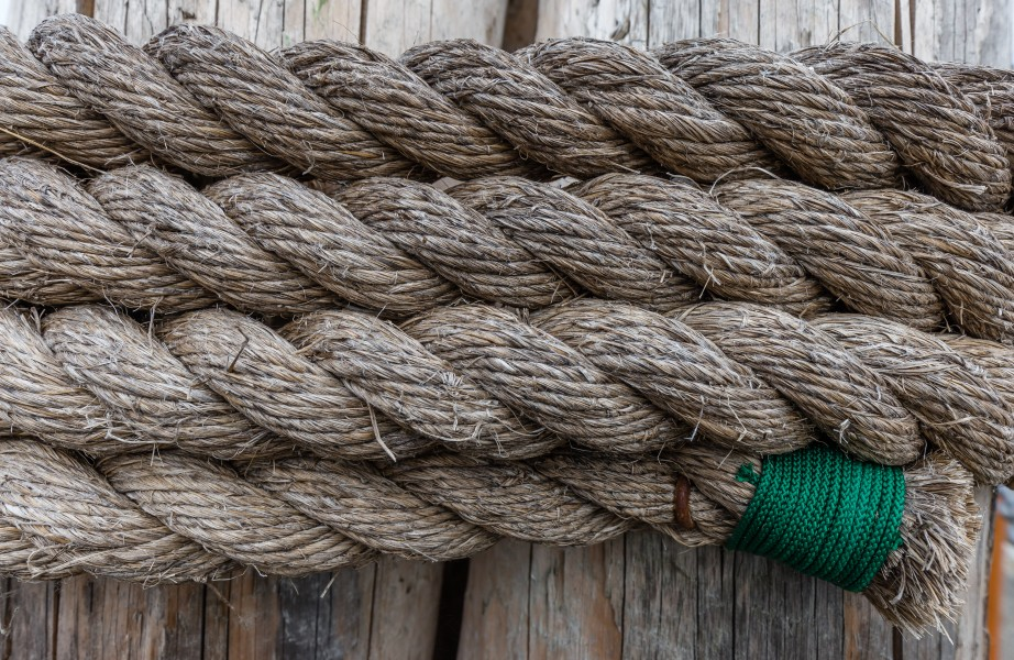 Rope on a wooden post at Sidney Harbor, British Columbia, Canada 07