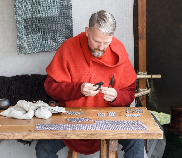 Chainmail making 2014-09-14