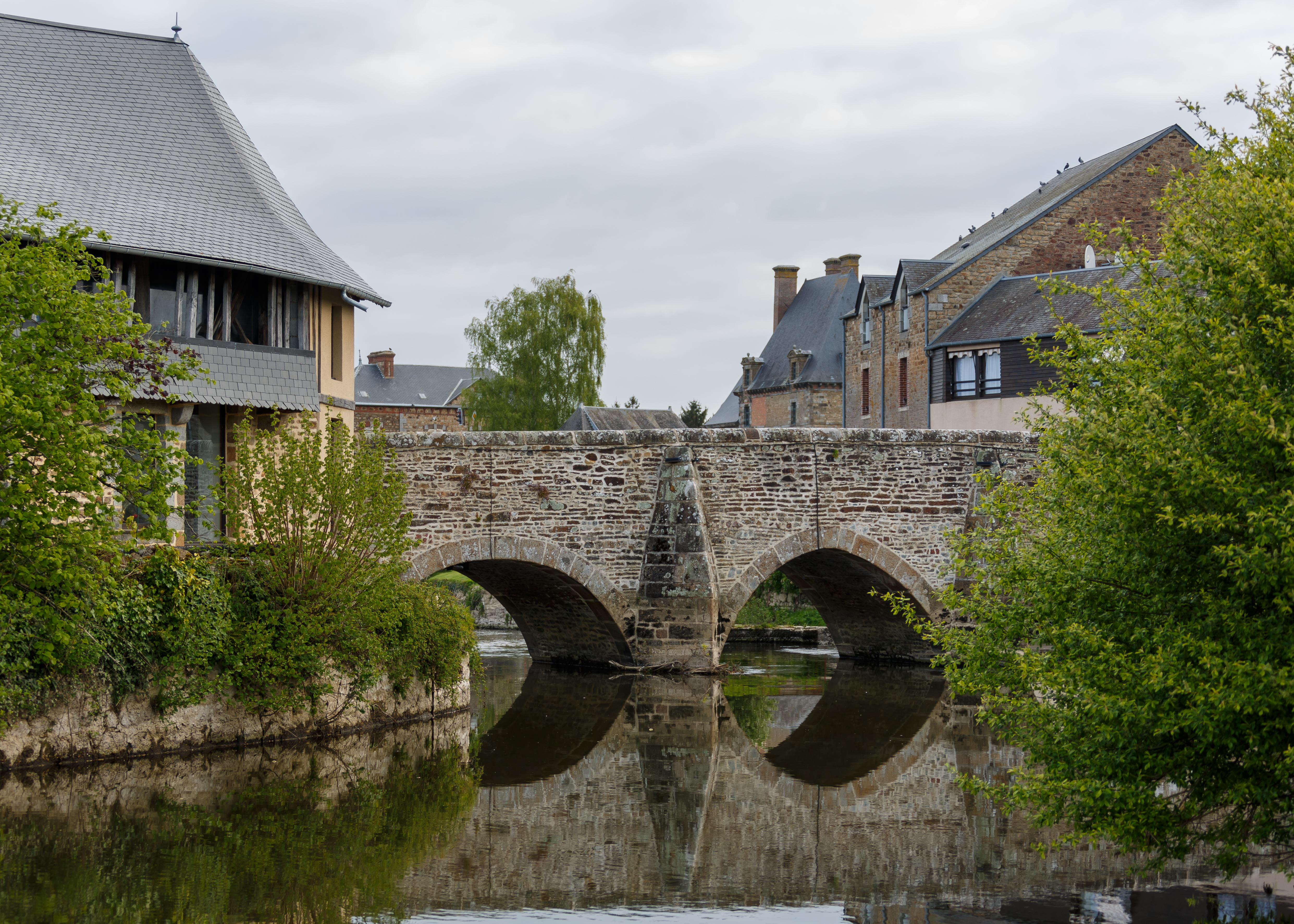 Ducey LaManche France Old-Bridge-over-Selune-River-02