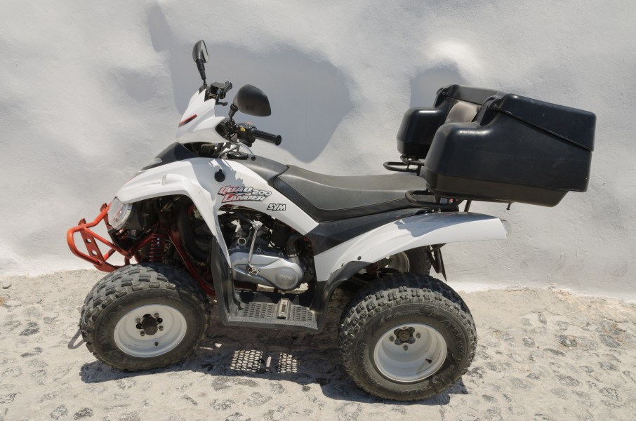 ATV - Quad - SYM Quadlander 200 - Santorini - Greece - 01