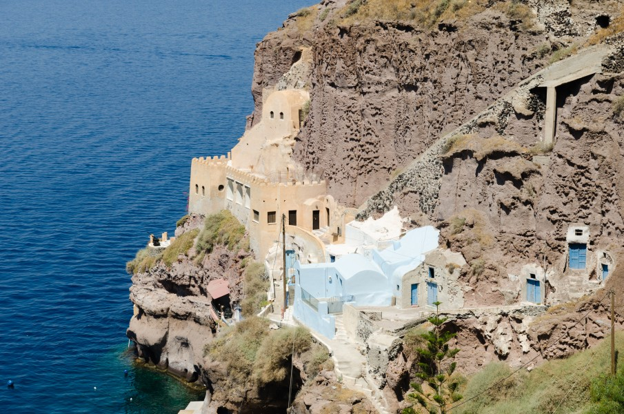 Traditional cave houses at Mesa Gialos - old harbour of Fira - Santorini - Greece - 01