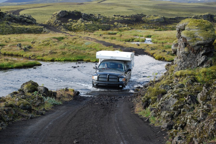 Wading by car on Iceland (2)