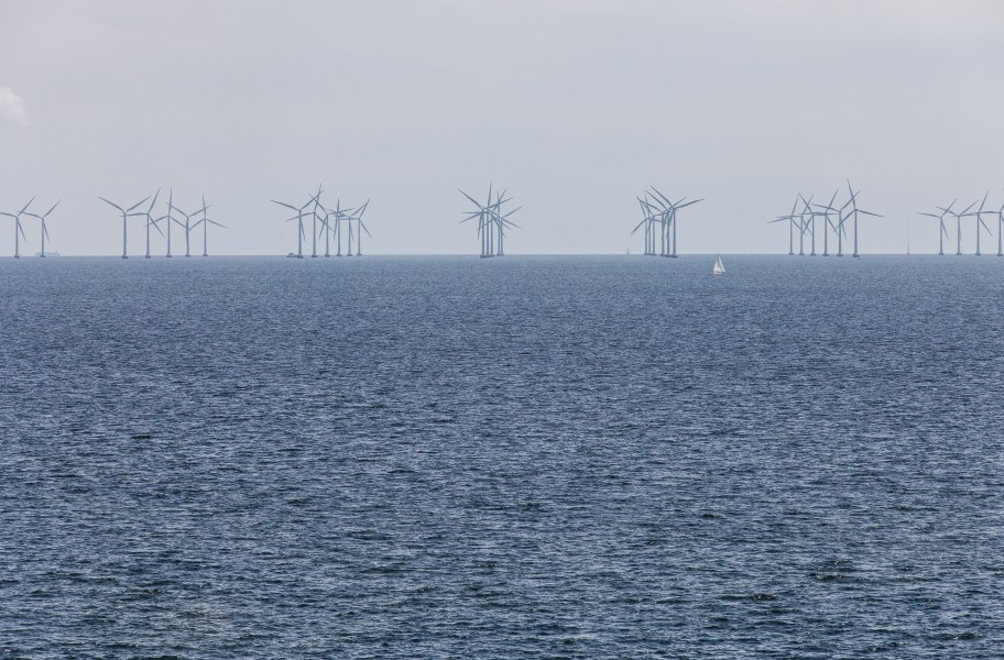 the Lillgrund Wind Farm as seen from the Øresund Bridge, June 2014, picture 4/4