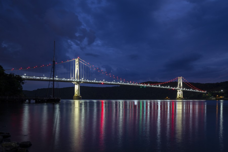 Mid-Hudson Bridge night NY2