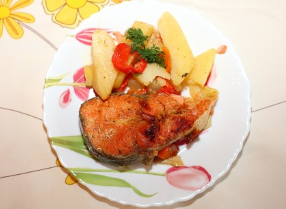 fish with potatoes dish