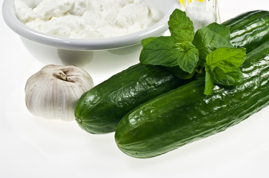 Greek yoghurt cucumbers garlic