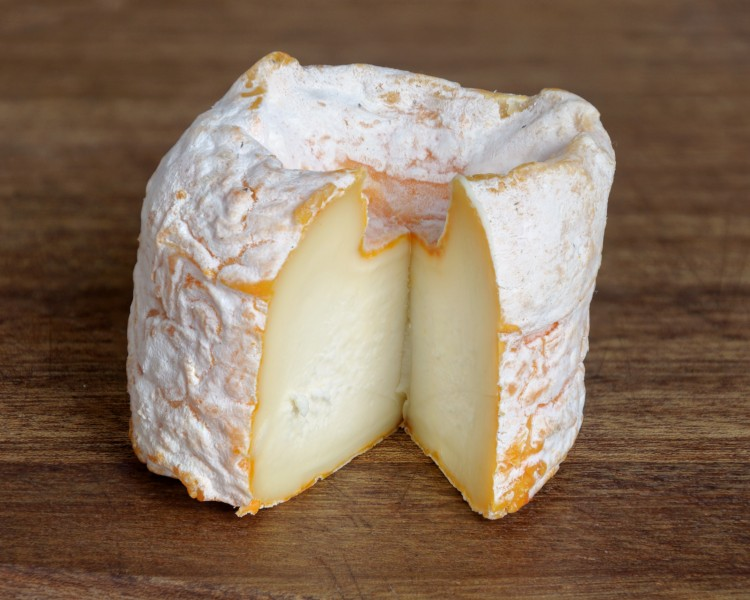 Langres fromage AOP coupe