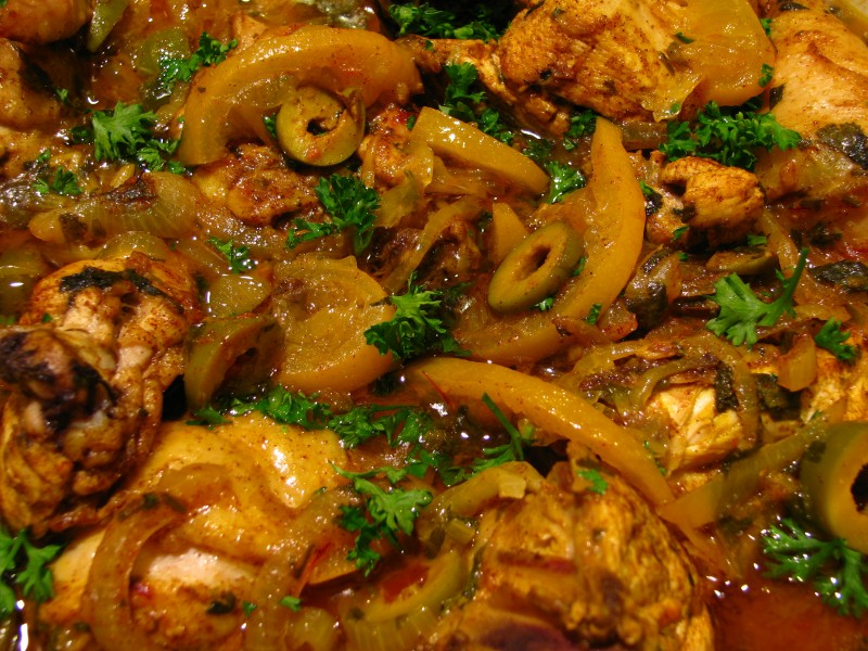 Moroccan food-Chicken tagine with preserved lemons and olives-02