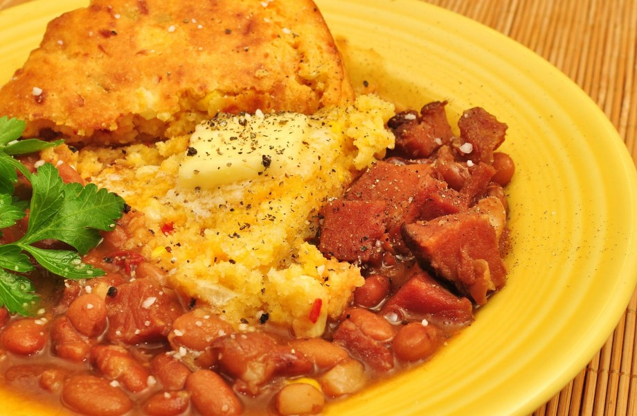 Mmm... pinto beans with ham and cheddar cornbread (6556347925)