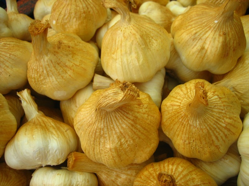 Smoked garlic (1350127407)