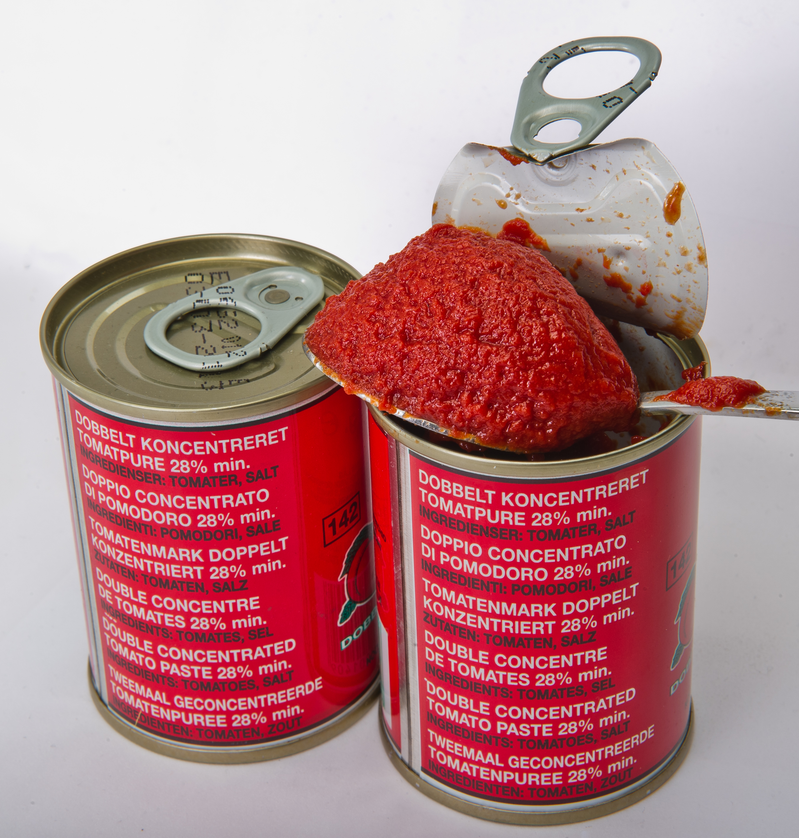 Tomato purée in cans - multilingual