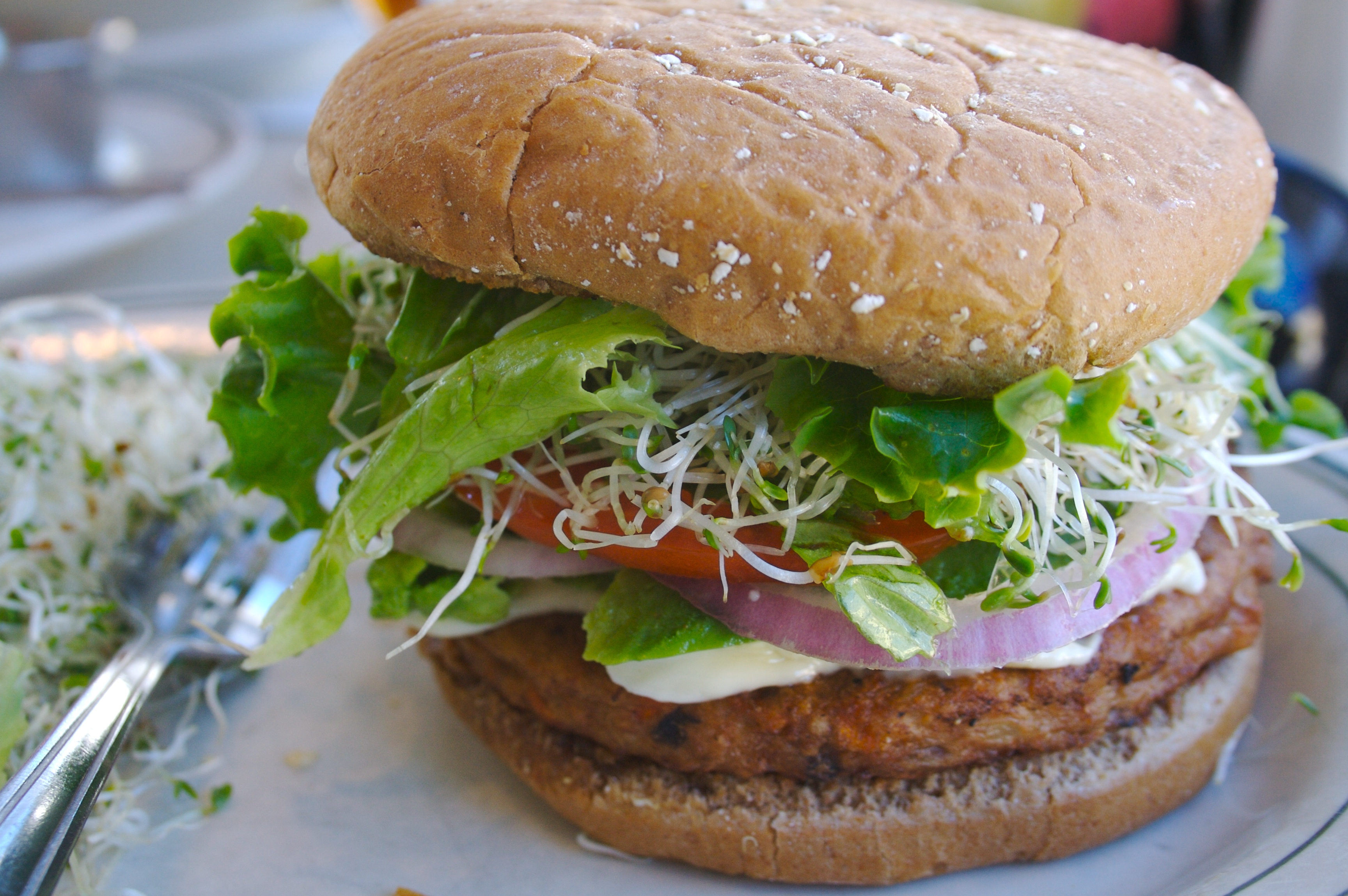 Veggie burger flickr user divinemisscopa creative commons