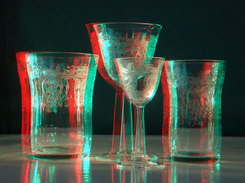 Etched glass anaglyph