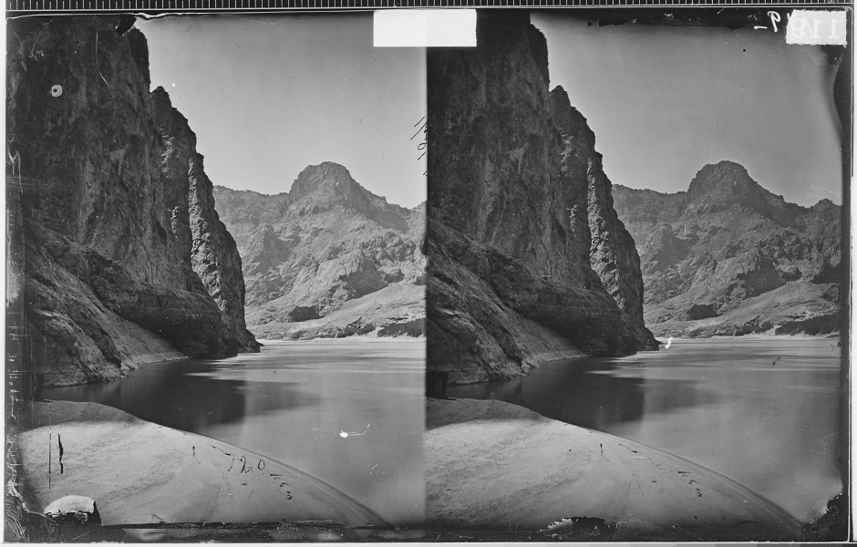 MIDDLE OF BLACK CANYON, COLORADO RIVER, LOOKING DOWNSTREAM - NARA - 523891