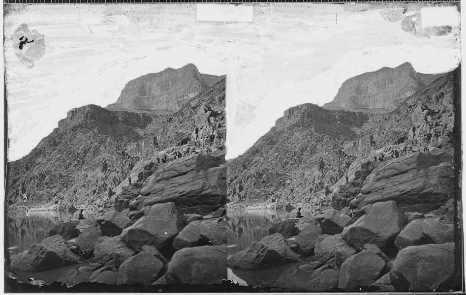 VIEW OF GRAND CANYON WALLS NEAR MOUTH OF DIAMOND RIVER, COLORADO RIVER - NARA - 523911