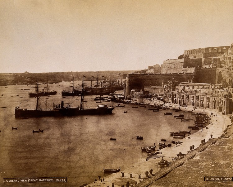 Malta; view of the harbour and adjacent buildings. Photograp Wellcome V0037538