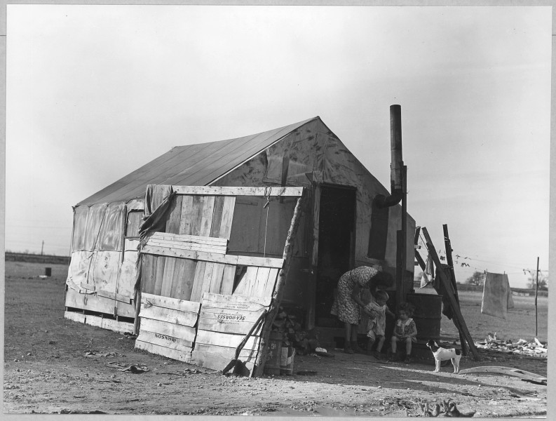 Oliverhurst, Yuba County, California. Another of the 26 homes on Second Avenue. Family with three ch . . . - NARA - 521581