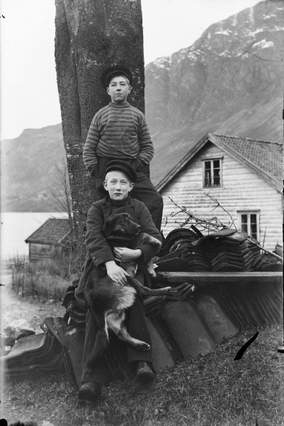 Two boys and a dog (4544892105)