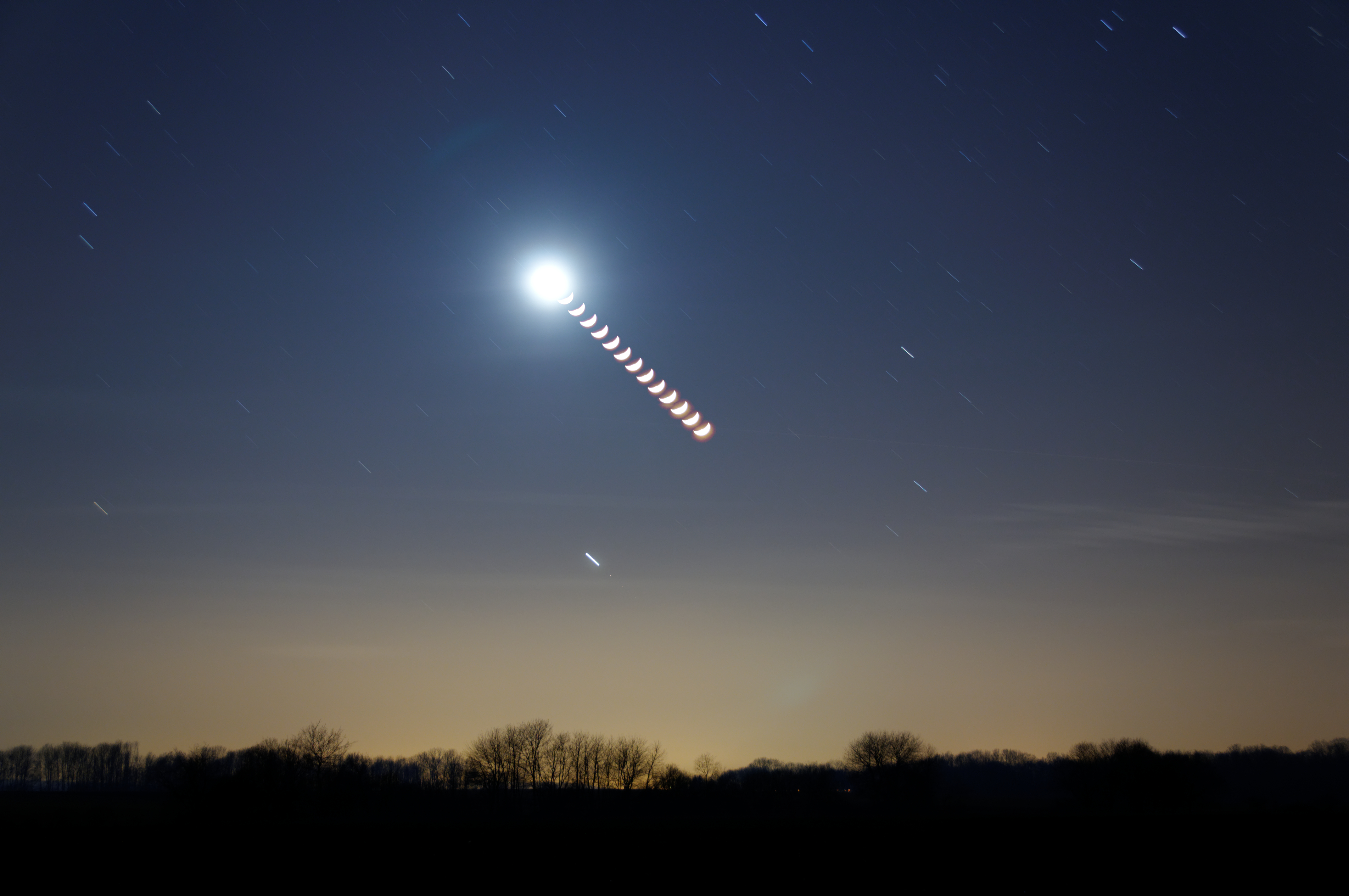 2012-02-27 22-36-46-chapelet-lune-14f