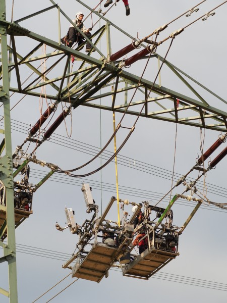 2013-power-line-maintenance