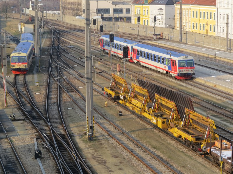 2018-03-01 (406) Trains at Bahnhof Krems an der Donau