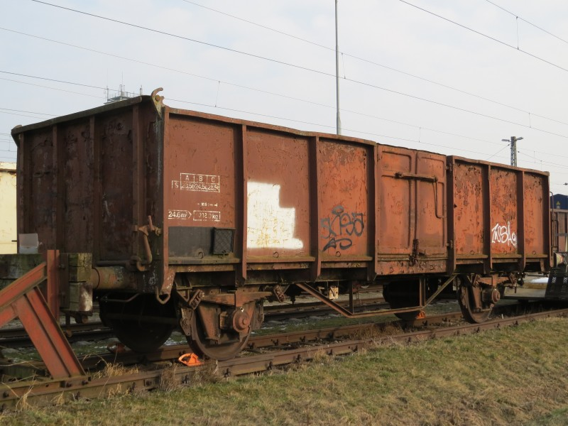 2018-03-02 (212) Old freight wagon without RIC-number at Bahnhof St. Valentin