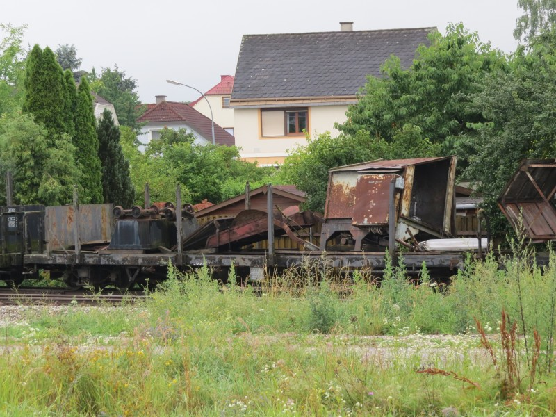 2018-06-28 (305) Old freight wagon at Bahnhof Ober-Grafendorf