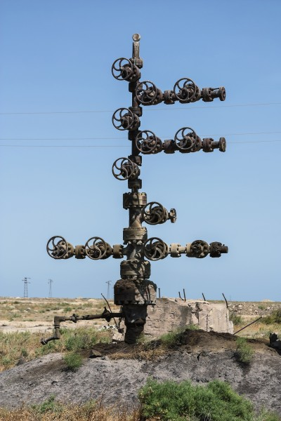 Abandoned oil-distribution unit