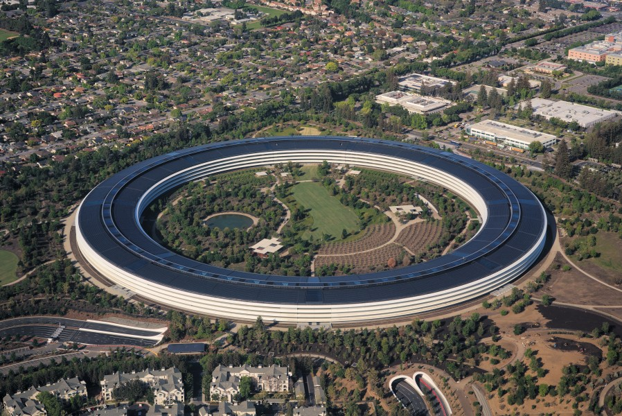 Aerial view of Apple Park dllu