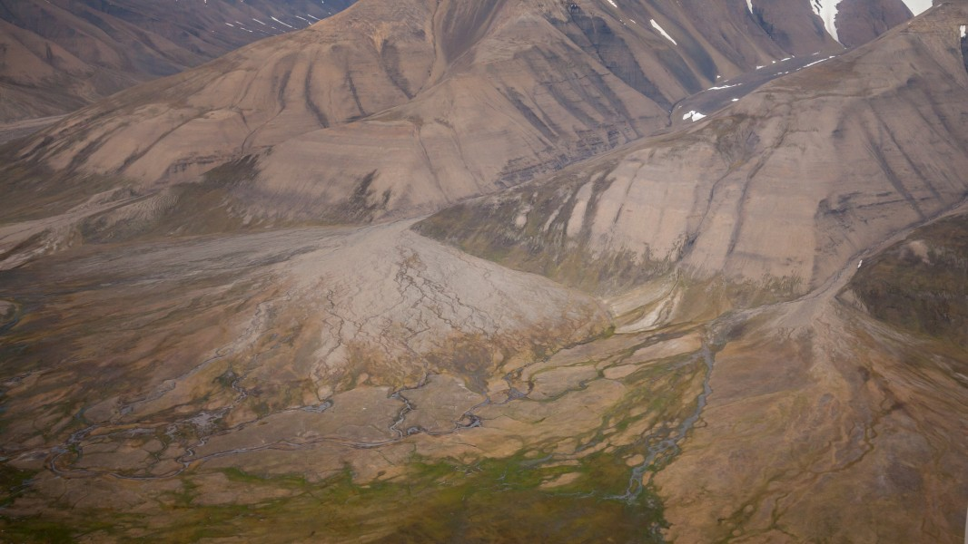 Aerial view of the slopes and tundra of Adventdalen, Svalbard (2)