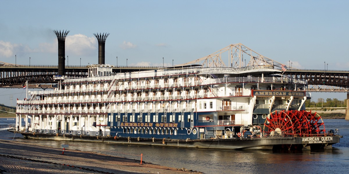American Queen Eads Bridge