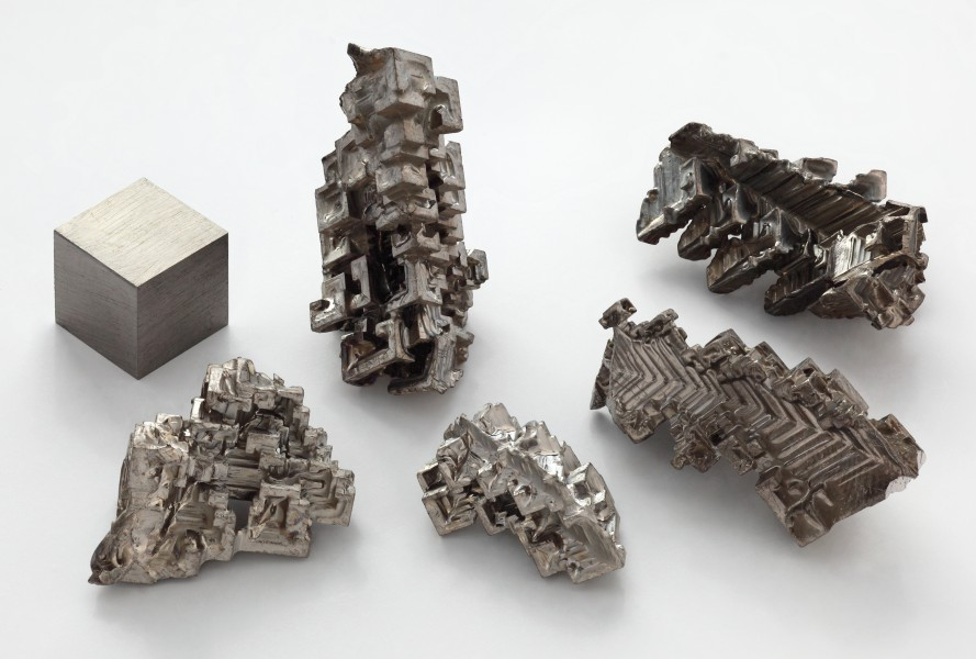 Bismuth crystals and 1cm3 cube