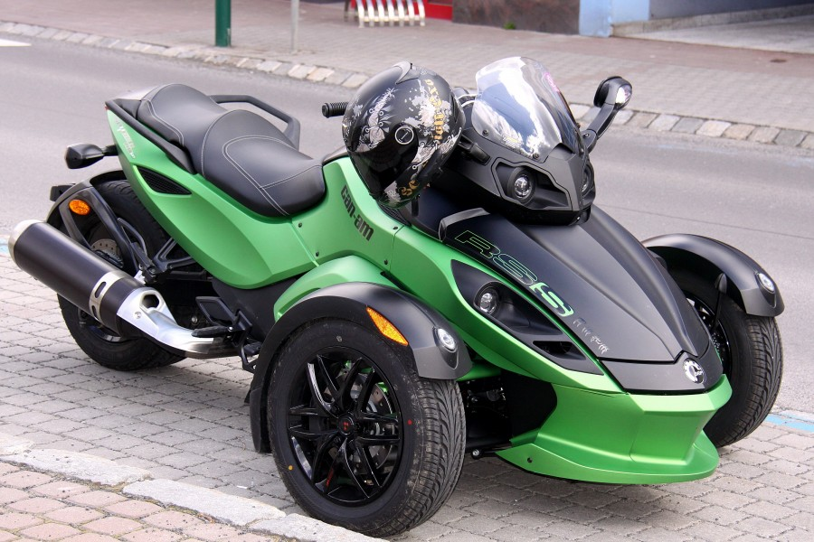 Can-Am Spyder RSS (02)