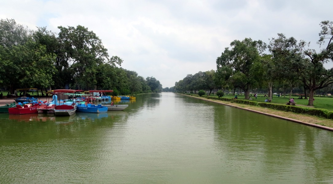 Canal near Rajpath