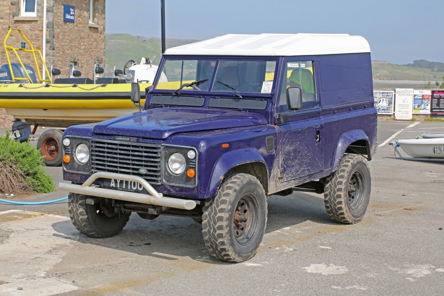 Defender in Alderney IMG 3900acc