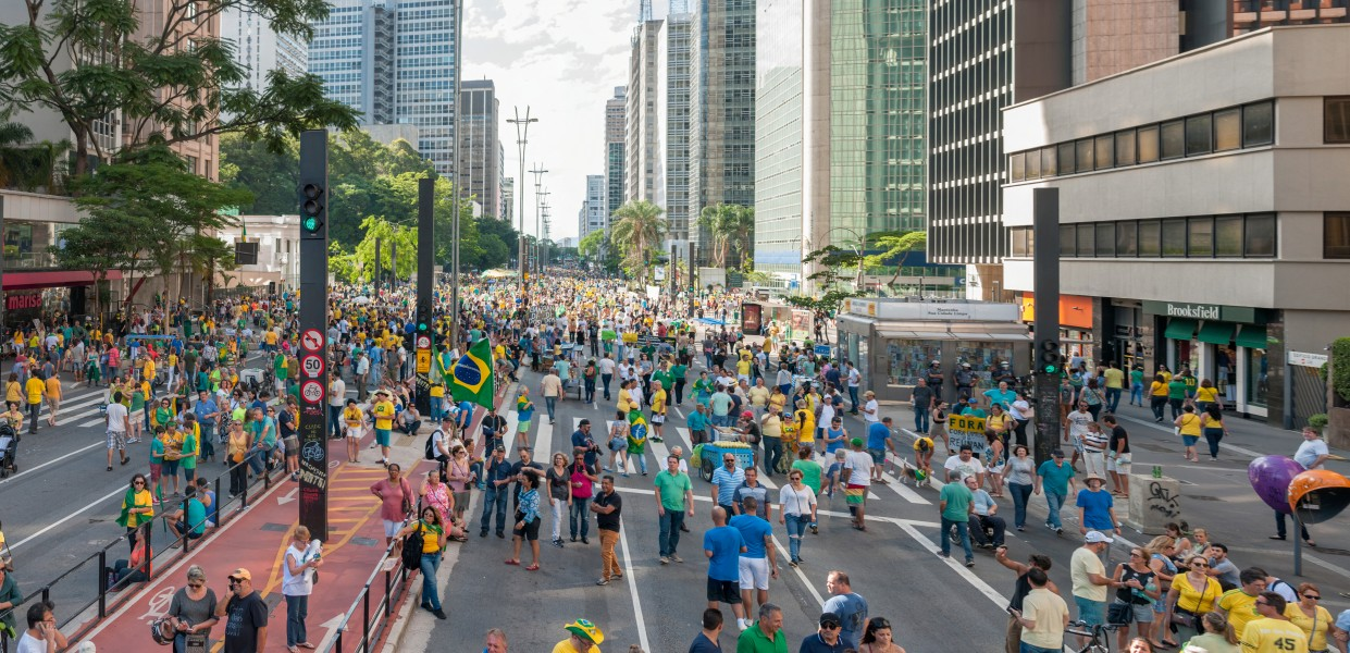 Demonstration supporting the carwash operation (lavajato) in São Paulo, Brazil 4 december 2016