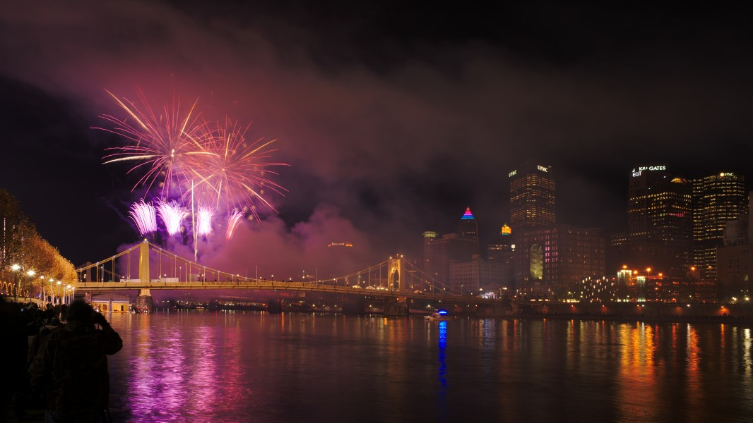 Fireworks at the Pittsburgh Light Up Night 2015