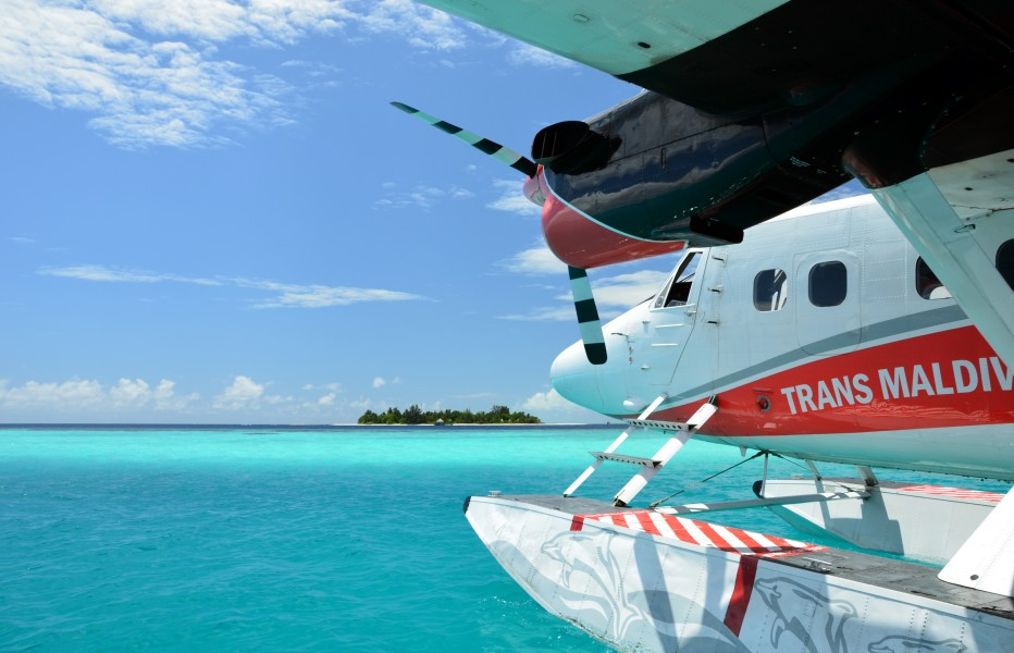 Floatplane at Bathala (Maldives)
