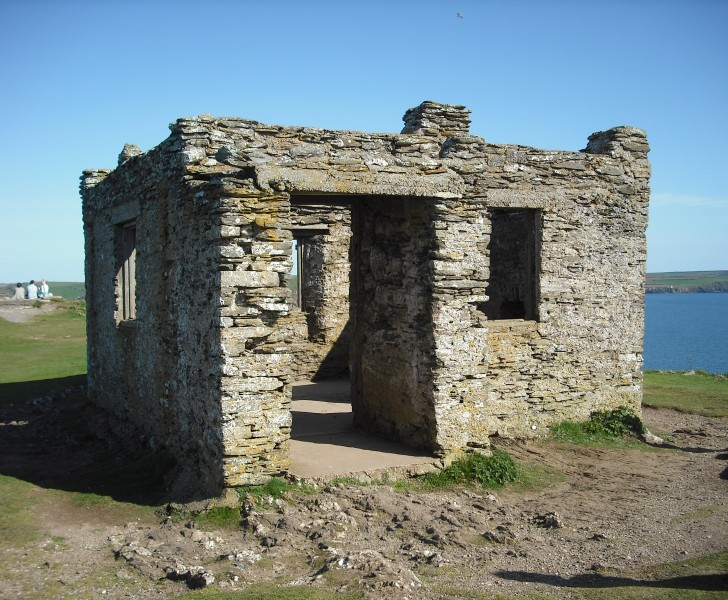Hew and cry hut, Burgh Island