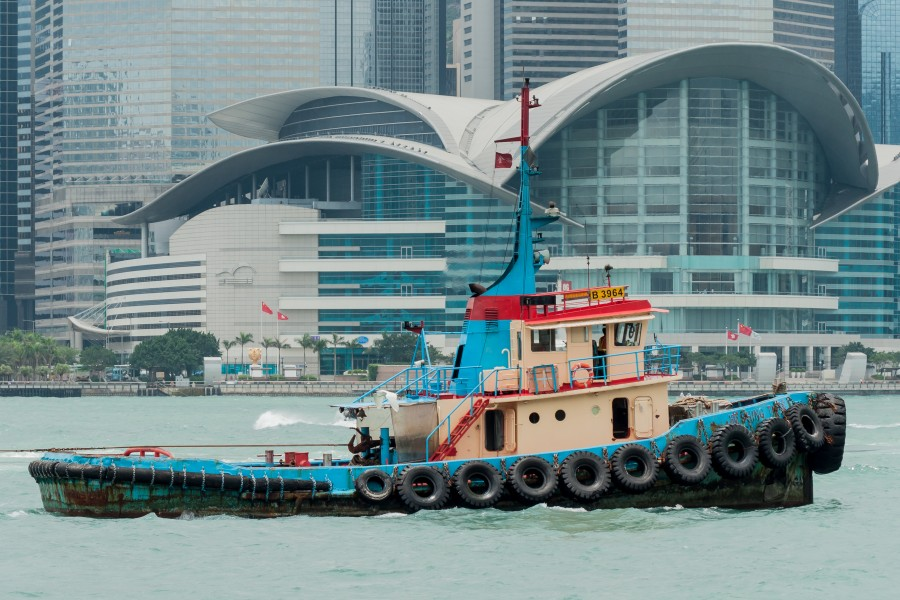 Hong Kong China Towboat-in-Victoria-Harbour-01