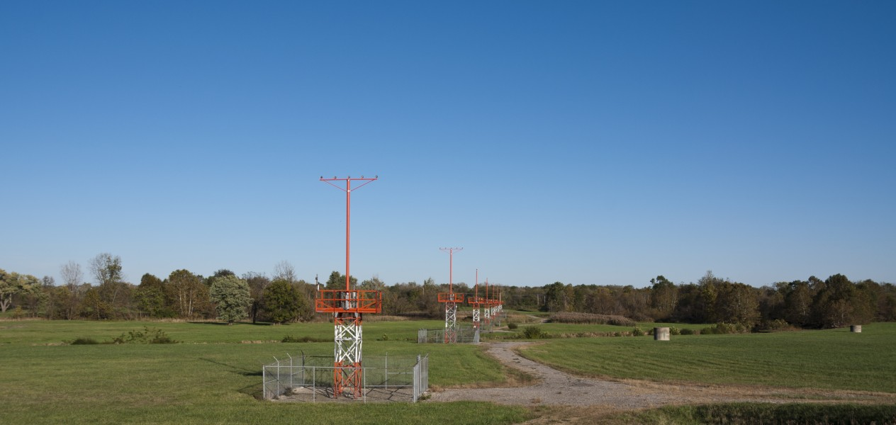 KCMH Approach Lights for 10L28R 1